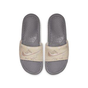 Nike Benassi JDI TXT SE Slipper voor dames - Grijs