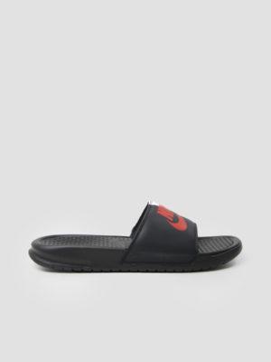 Nike Benassi Just Do It Sandal Black Game Red White 343880-006 (zwart)